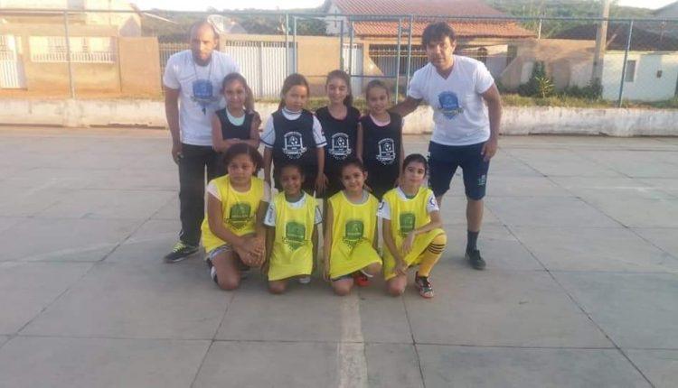 """Prefeitura desenvolve Projeto """"Bola na Base"""" pela Secretaria de Educação, Cultura, Esporte e Lazer"""